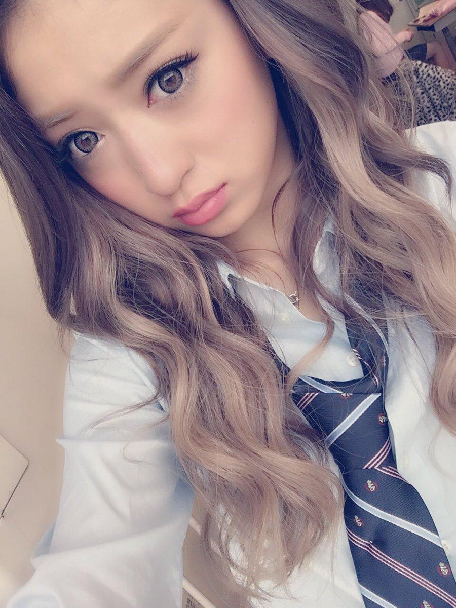 みちょぱ 池田美優 در توییتر 撮影期間1発目は制服さんです Https