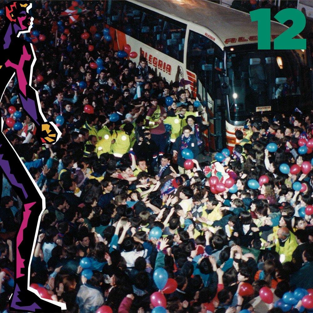 El homenaje del 20 Aniversario de la Recopa de Europa Cb4xQ8XXIAA01fj