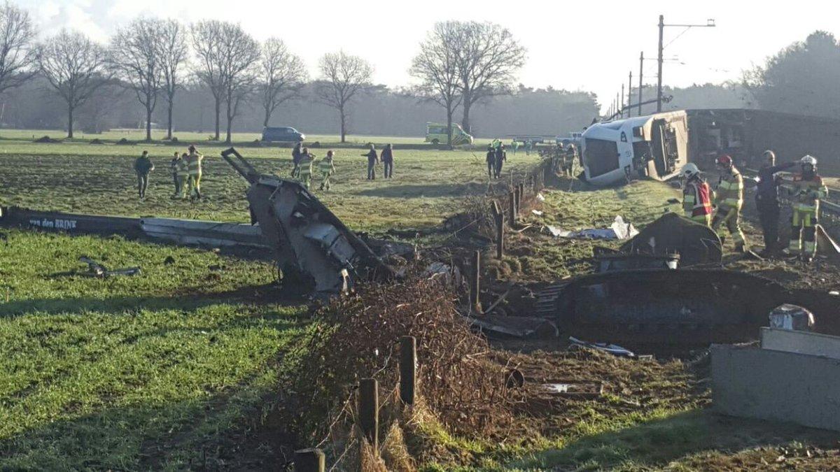 В Голландии поезд сошёл с рельсов: есть жертвы и пострадавшие