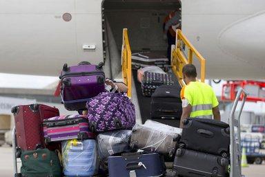 手荷物も禁止になりましたか、しばらくは引っかかる人増えそう…モバイルバッテリー、予備電池などのリチウムイオン電池、旅客機での輸送を4月1日から全面禁止 国連機関  https://t.co/c9dE6pjsyw https://t.co/xIDRMQFlP4