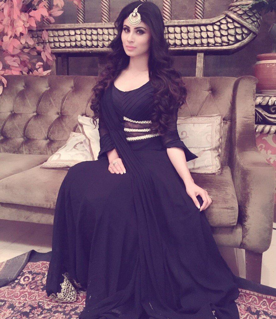 Nagin Shivanaya Latest Picture, Mouni Roy looks hot in Black dress - image