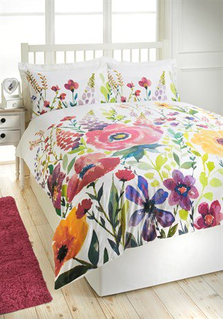Bring on spring! RT to win this gorgeous watercolour floral duvet set. #SS16