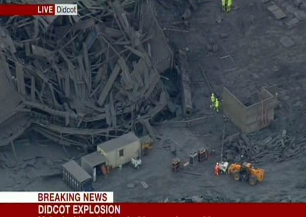Didcot Power Station explosion: casualties reported https://t.co/5hQvXoYp2v https://t.co/Jn5Ueq9JWy