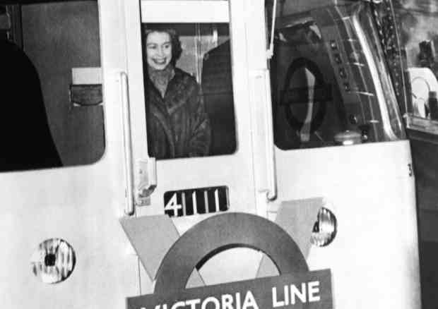 Cb6tZgbWwAENJlE - The Victoria Line's really big 50th birthday!