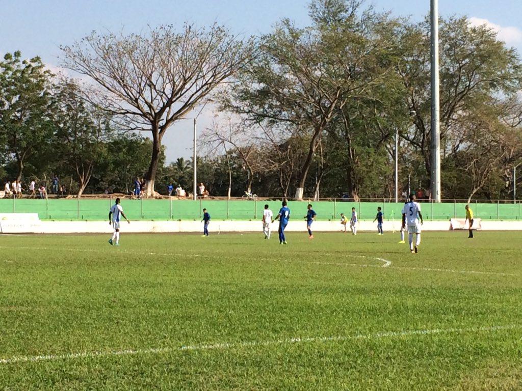 Dos juegos amistosos contra Honduras en Febrero del 2016. Cb7oZS3UAAA3Wic
