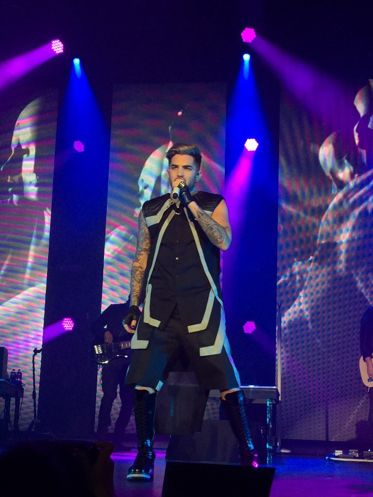 @adamlambert 's TheOriginalHighTour hits #nyparamount https://t.co/9tGJHKw4Yq