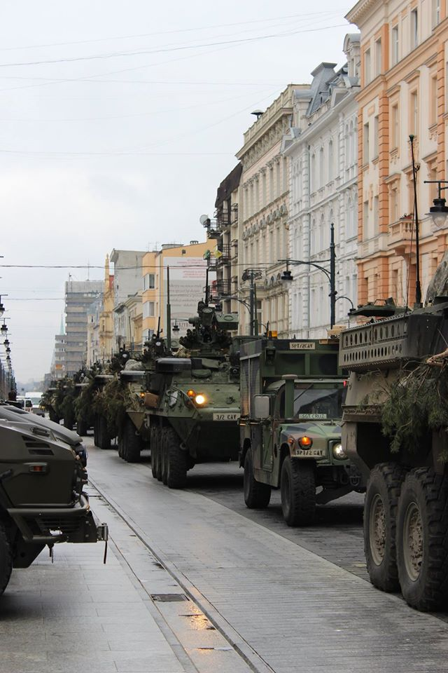 NATO/US Military Build up in Eastern Europe-Russian borders - Page 6 Cb9lXoMXEAEnWgj