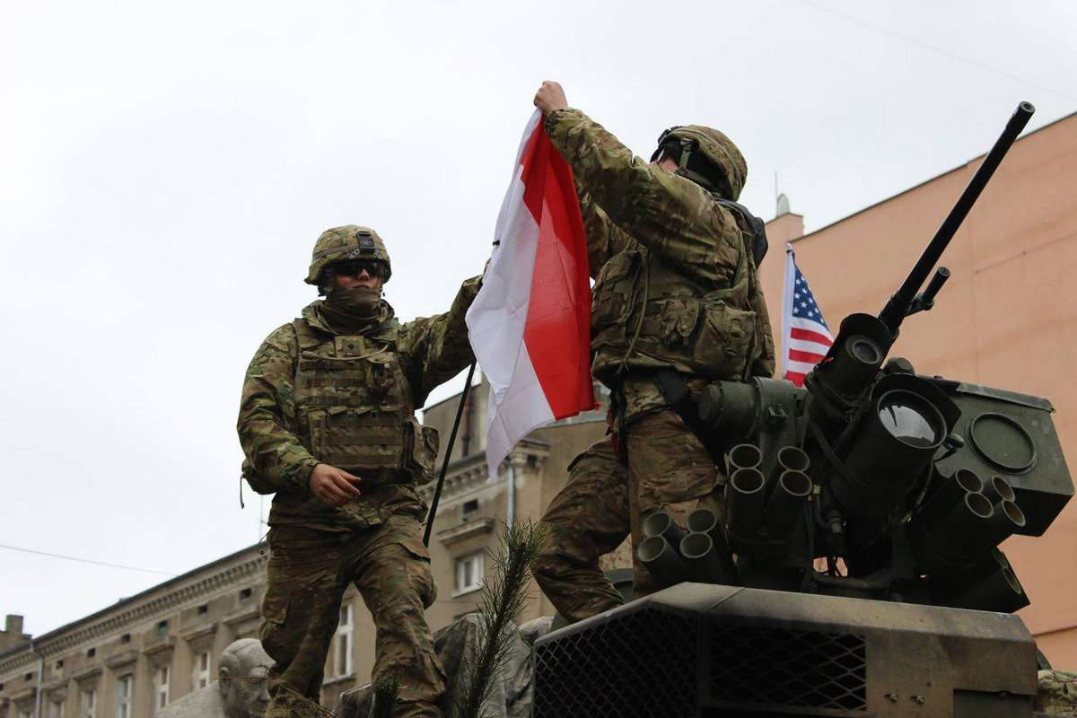 NATO/US Military Build up in Eastern Europe-Russian borders - Page 6 Cb9lZUjWEAE7J5P