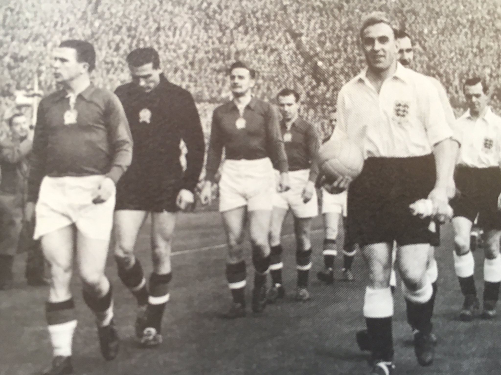 """The League Magazine on Twitter: """"England v Hungary 1953 Ferenc Puskas and Billy  Wright lead the teams out https://t.co/vQl7E8YUeG"""" / Twitter"""