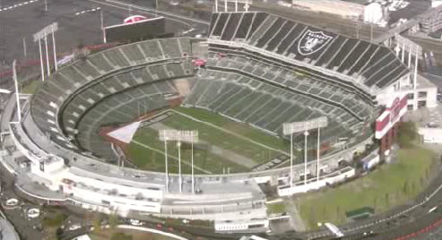 @RAIDERS agree to extend their lease Coliseum for 2016 season