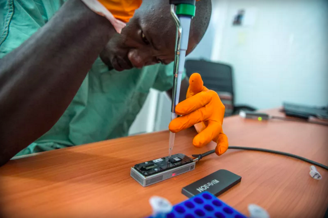 "From Ebola to Zika, this ""lab in a suitcase"" provides crucial data for outbreaks: https://t.co/6JcSVoOuz8 via @verge https://t.co/AmafsMxKXt"