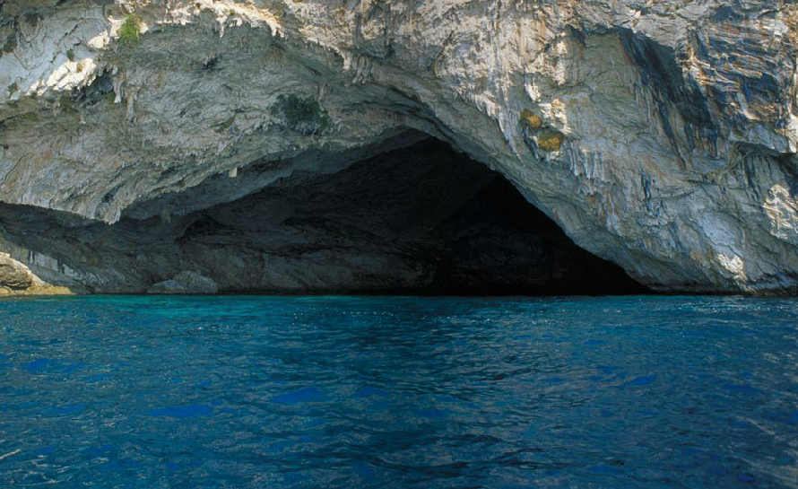 See the #amazing Papanikolis Cave #cave #sea_cave #ionian #greece #natural_wonder #travel  https://t.co/8GeKkOVPZ8 https://t.co/5ugEbmi0lh