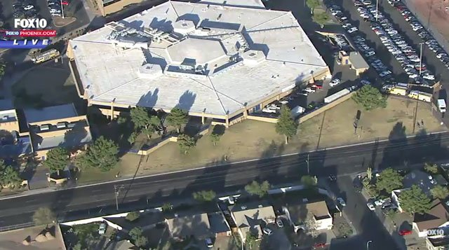 @GlendaleAZPD confirm that has been a double shooting @ Independence High School