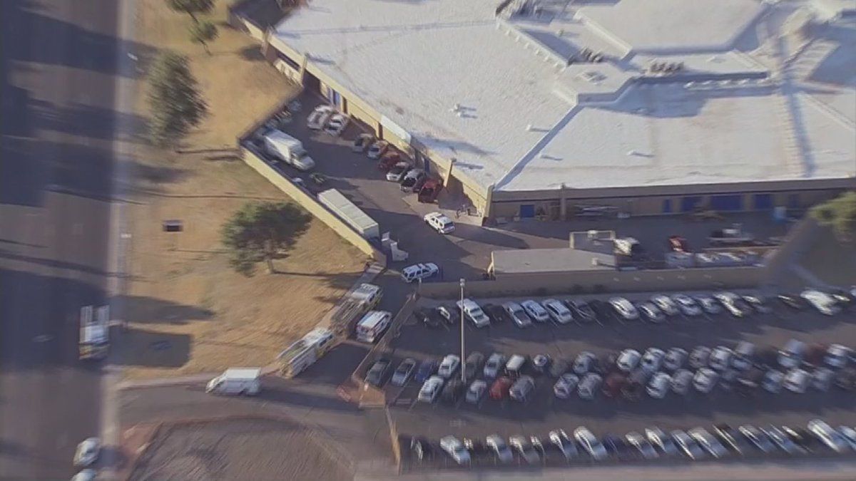 @GlendaleAZPD confirm they are working a double shooting at Independence High School @75th Ave/Glendale.