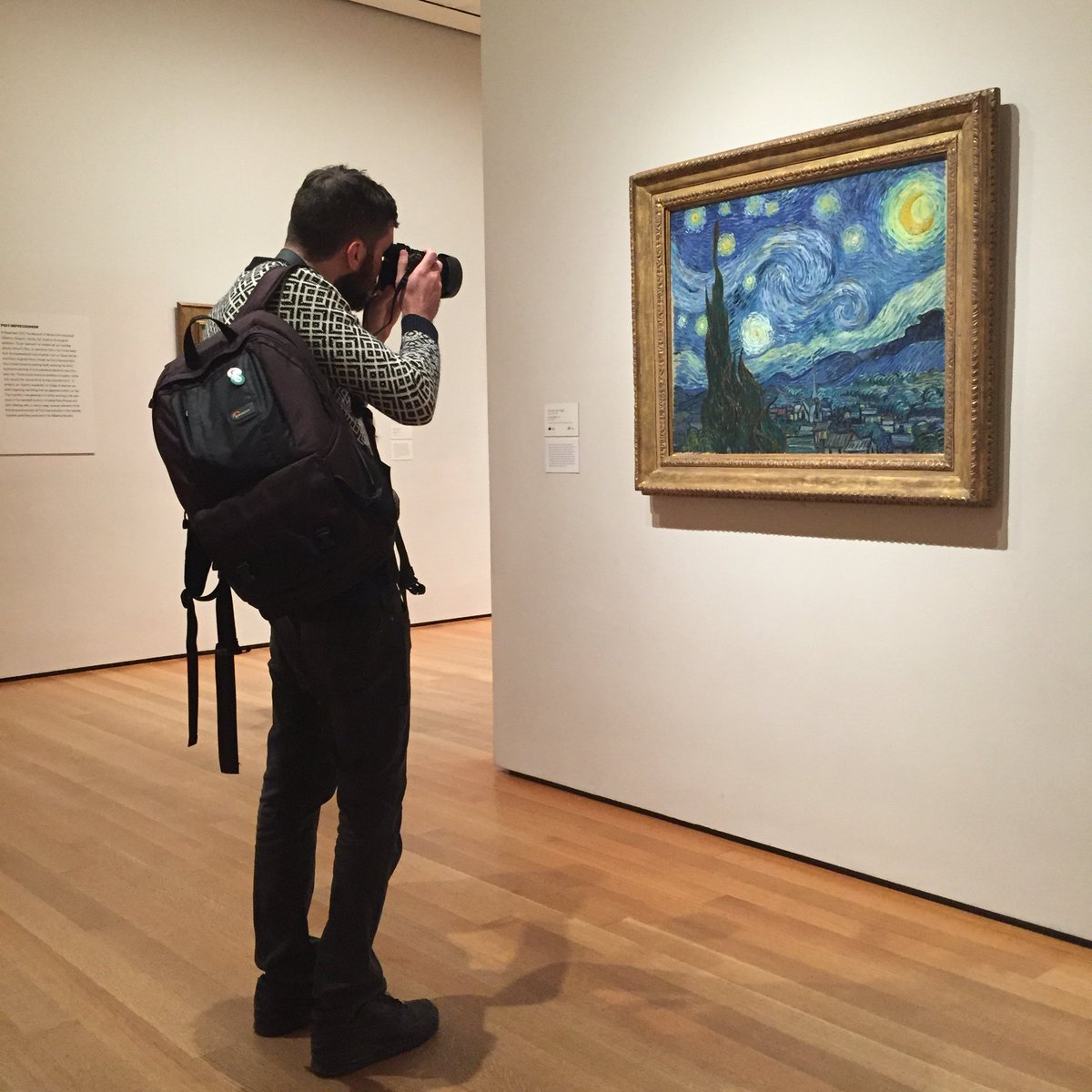 @dave_krugman capturing The Starry Night @MuseumModernArt. NYSCulture EmptyMuseum