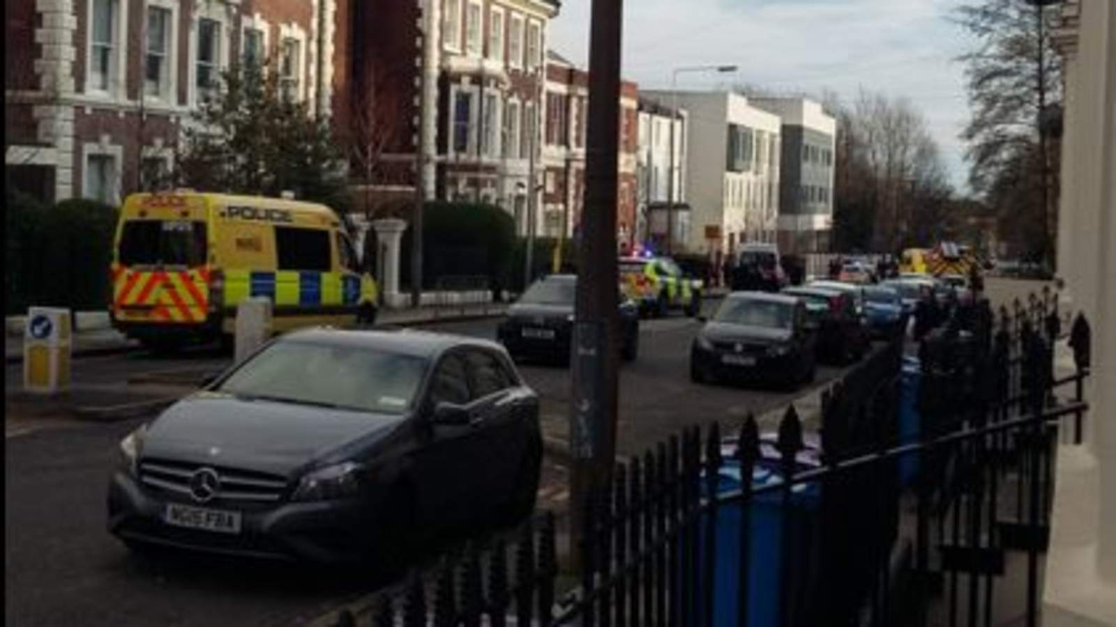 RT @SkyNews: Six children have been hit by a car outside a school in Liverpool https://t.co/dCL62w8SOE https://t.co/kkf6LzeOm6