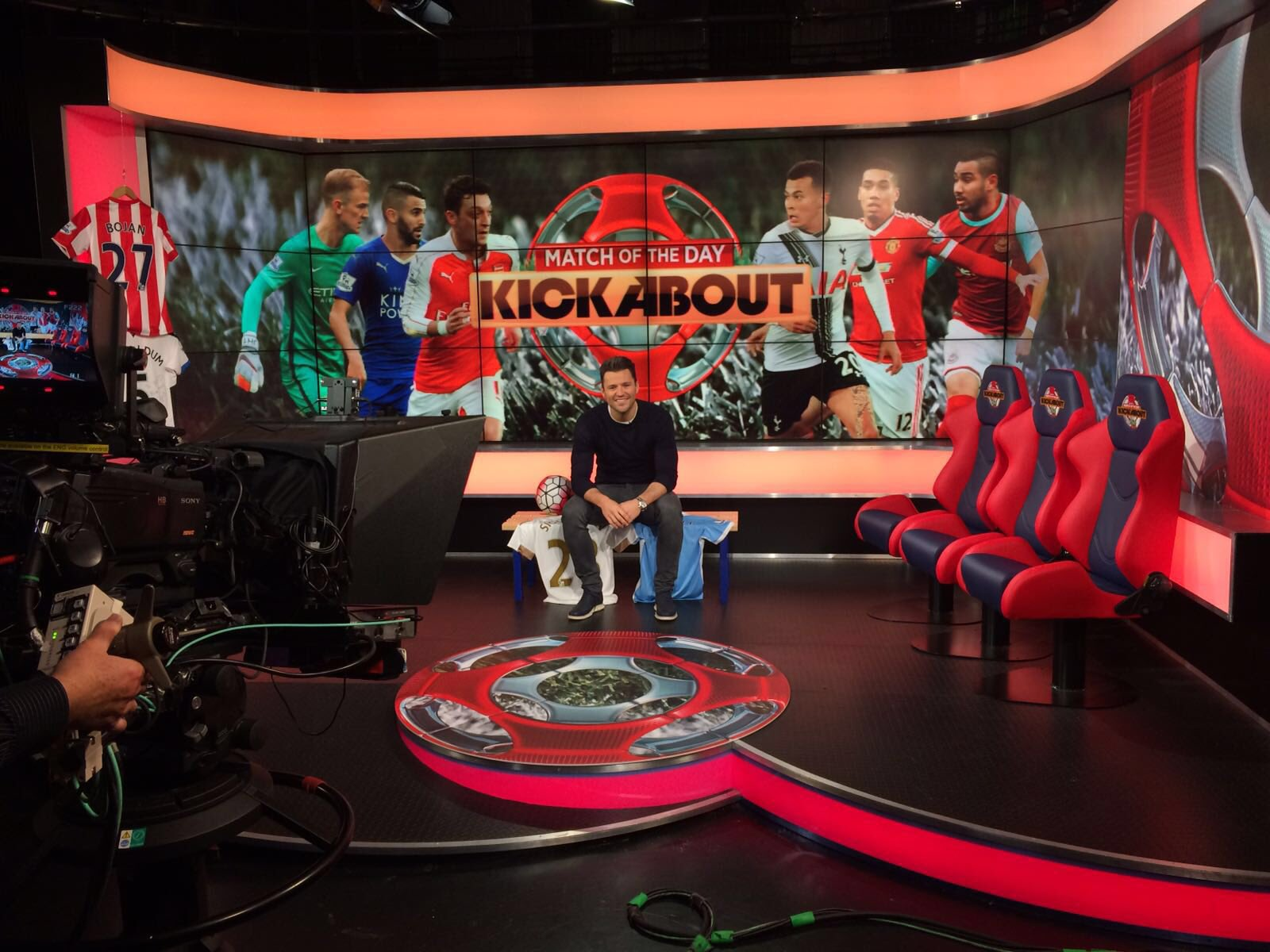 My first day hosting Match Of the day kick about Tomo morning on @Cbbc tune in https://t.co/LNx7ejOIIC