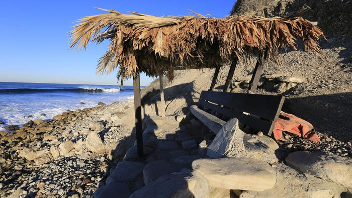 """Bay Boys"" surfer gang cannot block access to this upscale beach, Coastal Commission says"