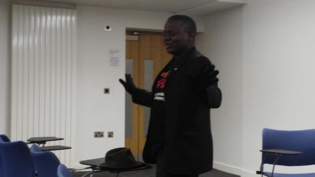 Brian starting off with his HIV story at Edinburgh University tonight on #speakertour16 @UoEStopAIDS @STOPAIDS https://t.co/jtFMmzVtOe