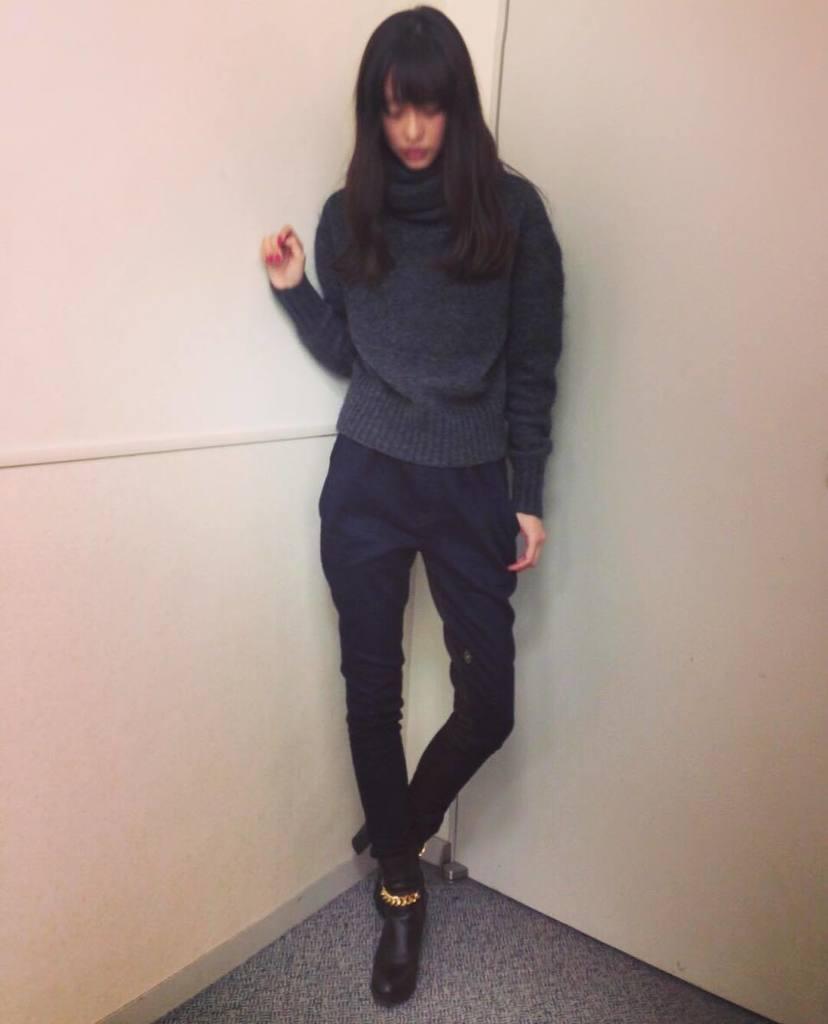 デニムの私服の桐谷美玲