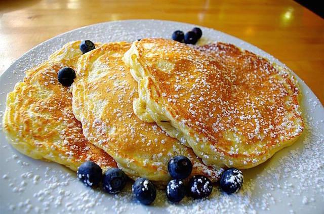 The Best Breakfasts In Chicago, According To The Breakfast Queen Herself