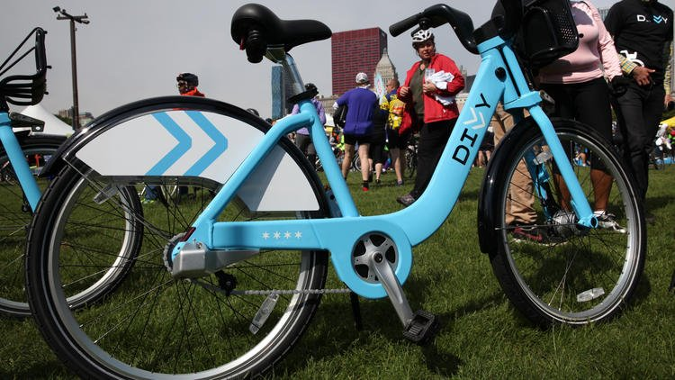 Divvy sets rider record in 2015 with 3.2 million trips. More bikes, stations on way