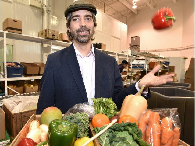 Grocers duke it out for consumer love as high cost of food hits bottom line