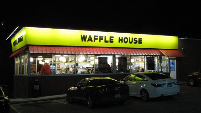 No Valentine's plans? No problem! Waffle House is hosting a romantic Valentine's Day dinner