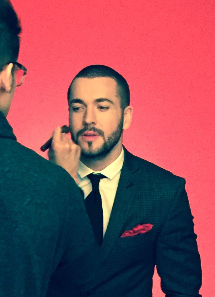 Here u go girls... A little #Valentinesweekend treat.. #behindthescenes for #Dechox shoot with @shayneTward @TheBHF https://t.co/FwDaWLmB05