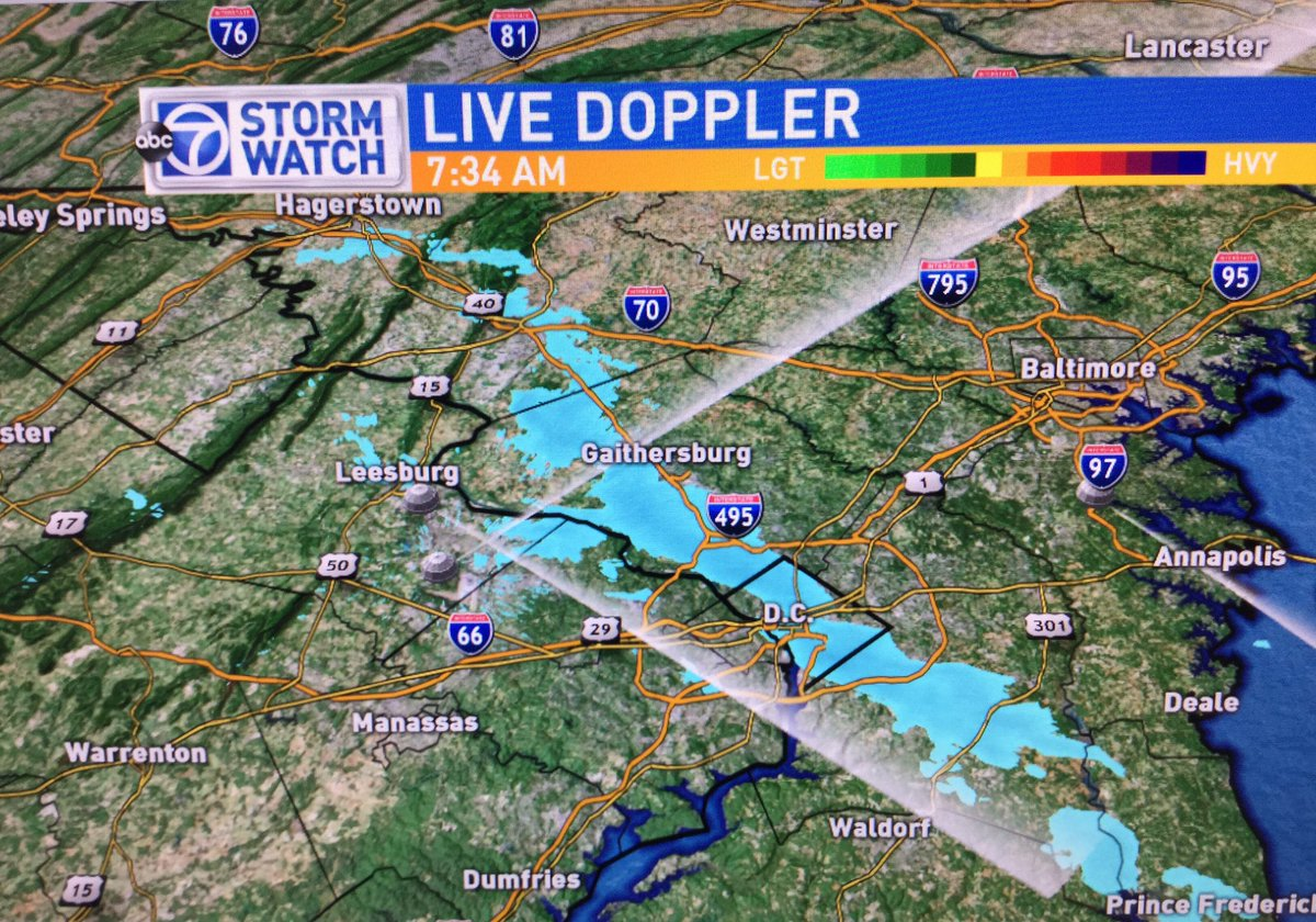 Snow showers are putting down a quick coating on some roads. This line is pushing SE over the same areas @ABC7Josh