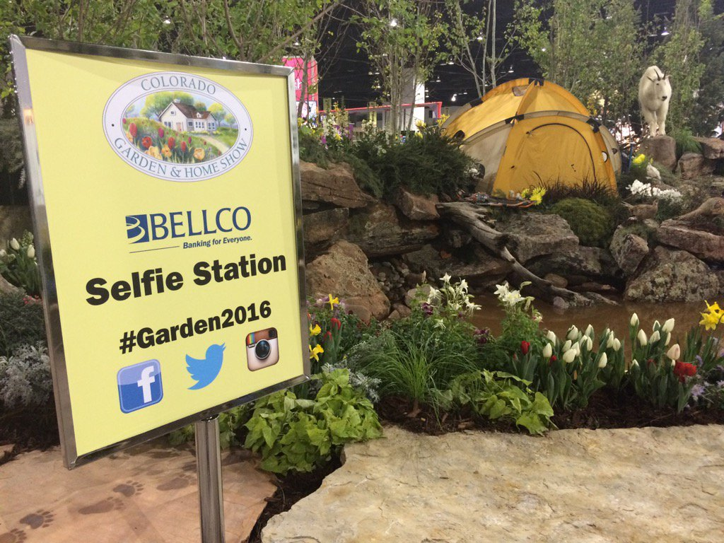 Oh look a place to take Selfies at Garden2016 @Belen_DeLeon live from the Colorado Garden & Home Show 9News