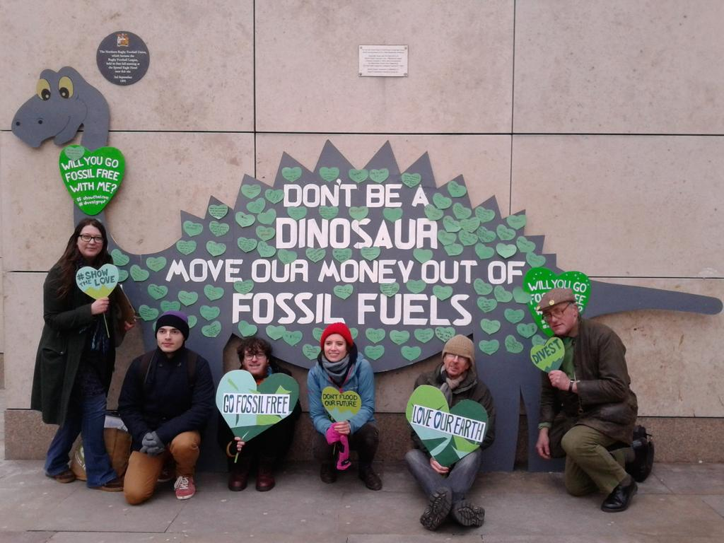 Thanks to everyone in Manchester who stopped by to #showthelove and call on @GMPF_LGPS to #divest from fossil fuels! https://t.co/DvqadE99B0