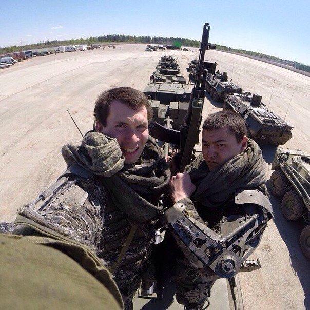 Russian Army Robots - Page 9 CbHA0rjXIAEQnnj