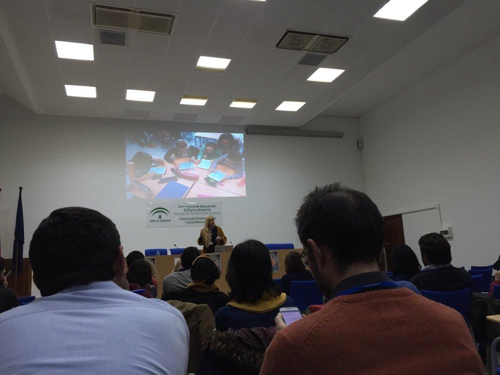 @rosaliarte hablando de su proyecto #romanízate en el #eDccss16 https://t.co/CDjCupnbai