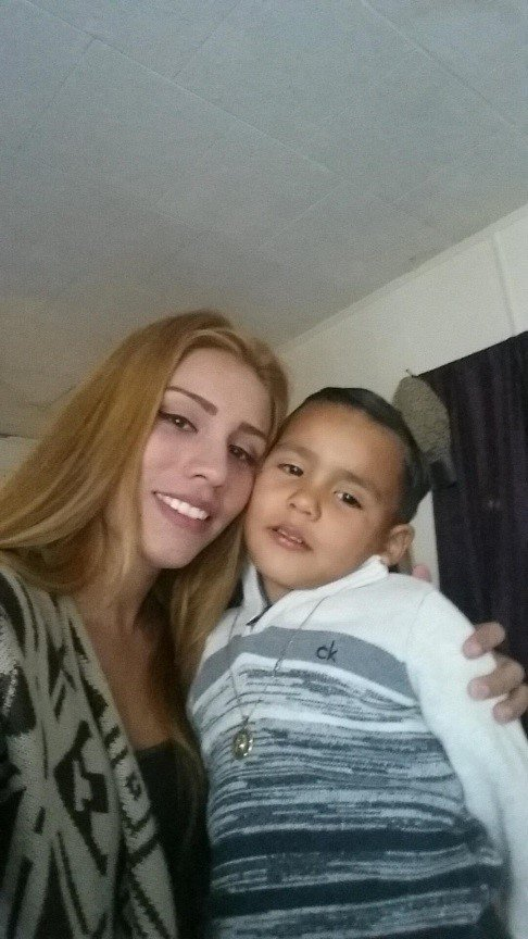 Surprise police looking for Alexis Escalante, 25, & her 3 and 5 YO children, taken this AM by Heriberto Mendoza, 22.