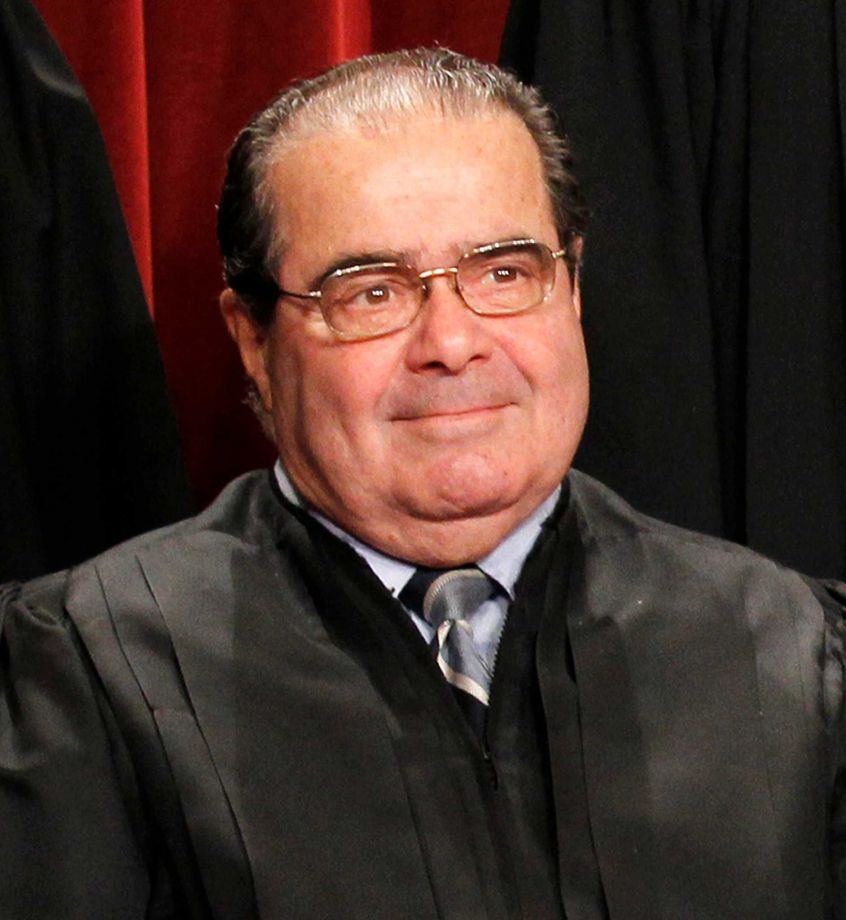 #BREAKING: Supreme Court Justice Antonin Scalia found dead at West Texas ranch https://t.co/D2JVAFSA7K https://t.co/WEVELJGOdm