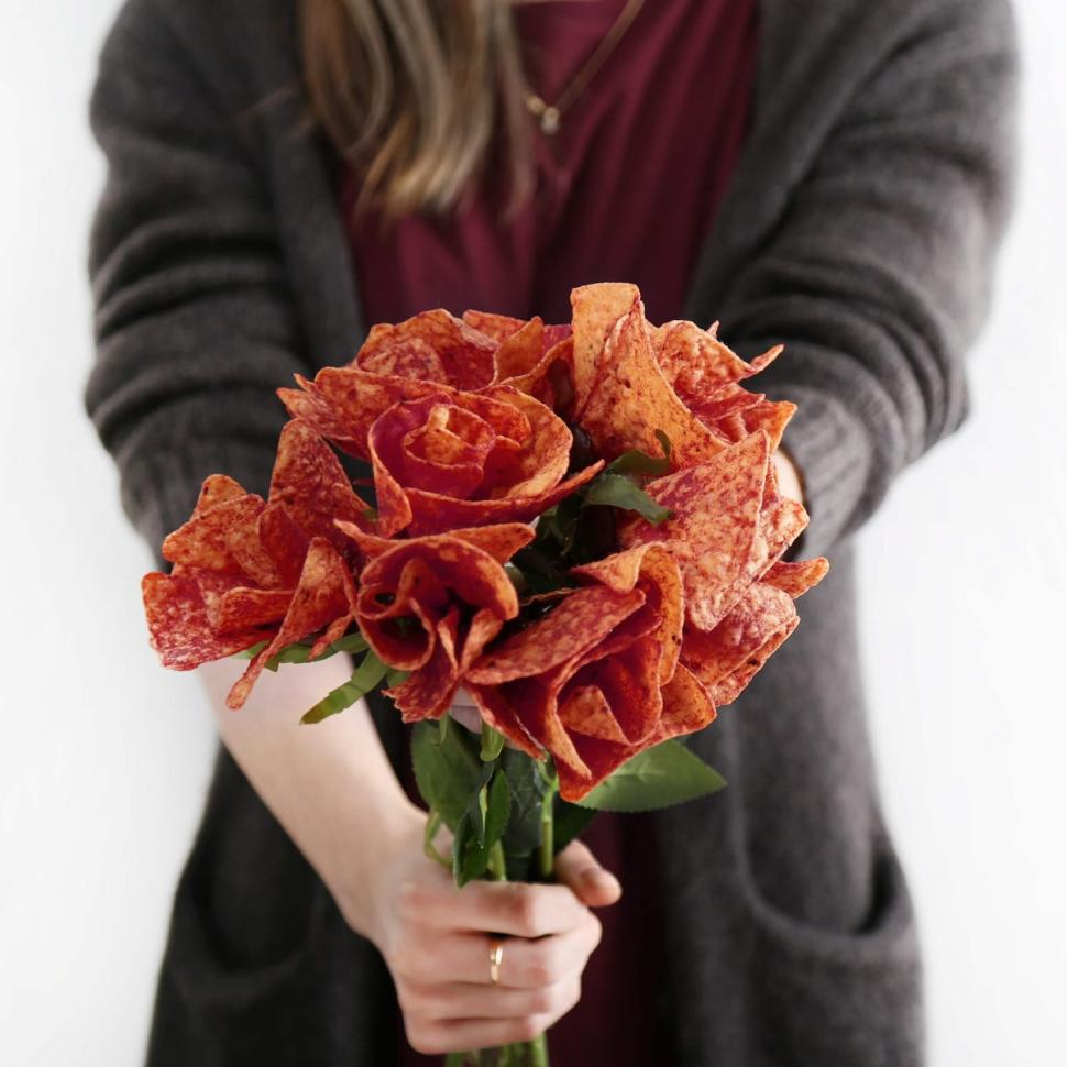 Here's how to make @Doritos roses for you hungry valentine