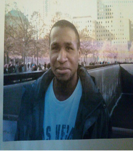 Pls help find 23 y/o Miles Everett. Seen in 4400 blk Lord Loudoun Ct, w/ green jacket, blu jeans, blu boots. Pls RT.