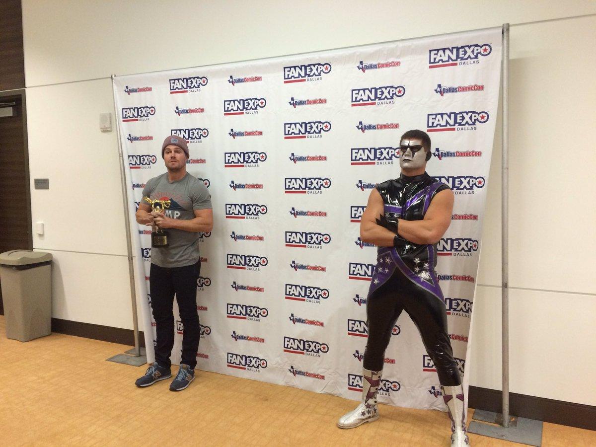 Фьюд WWE продолжился на Comic Con