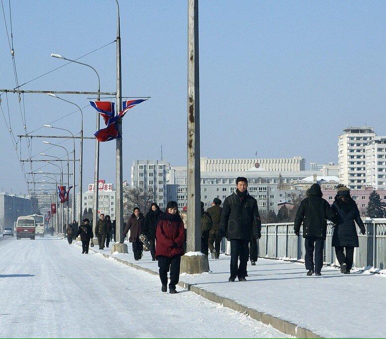 الحياة في كوريا الشماليه ..........متجدد  CbIv_OMWwAA8qyG
