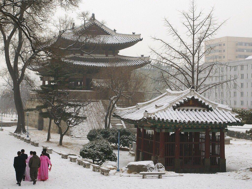 الحياة في كوريا الشماليه ..........متجدد  CbIvz1EW0AAU1xd