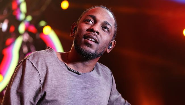 Rapper @kendricklamar receives keys to Compton