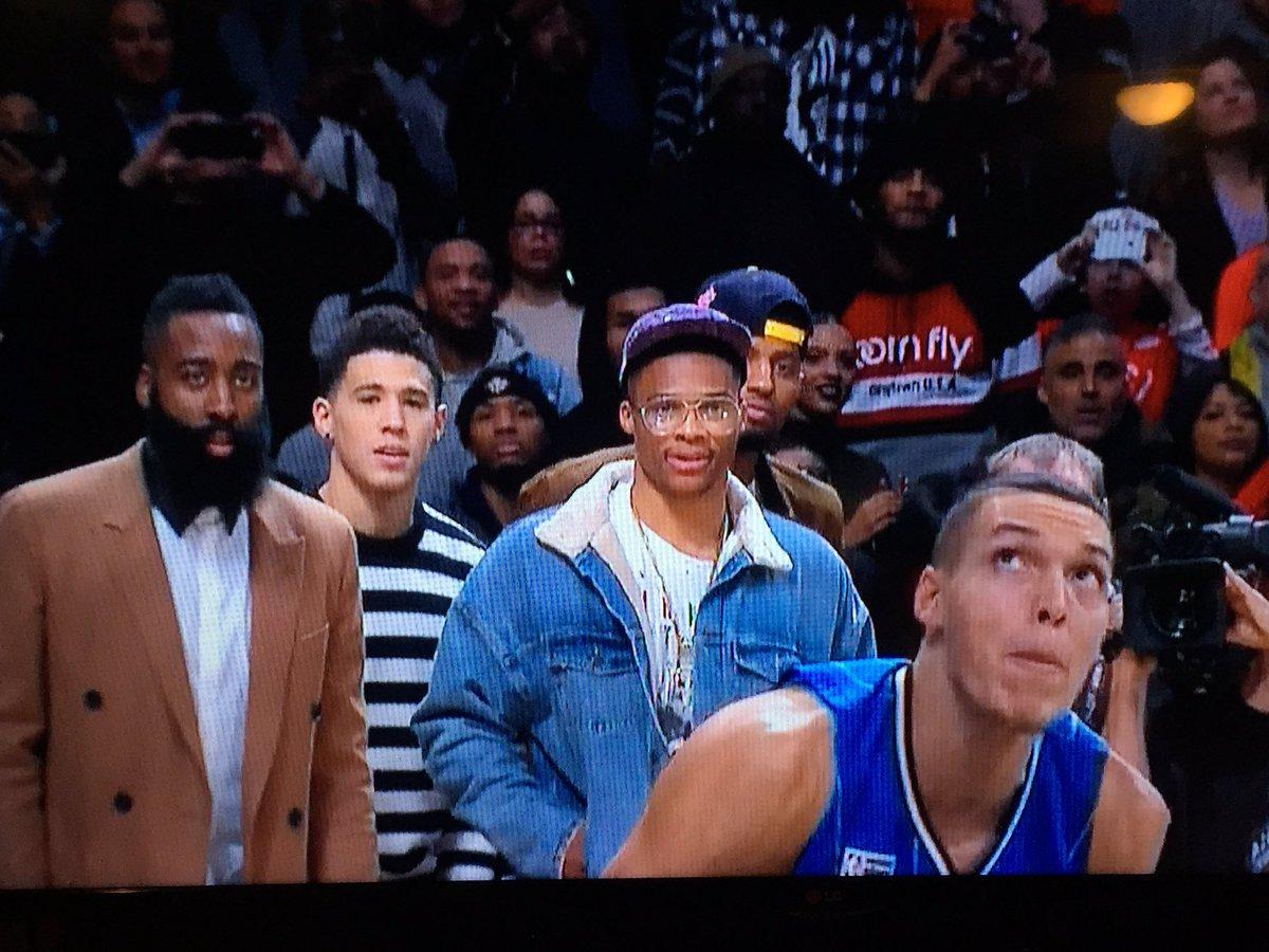 That look on James Harden's face on that Gordon dunk... #NBADunkContest https://t.co/Su2XVfR248