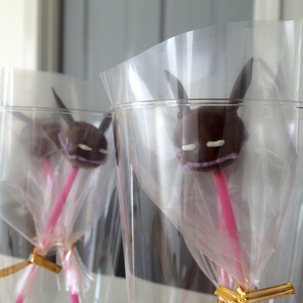 宣伝会議メンバーにお配りしたワールドトリガーのレプリカ先生のチョコレート。Happy Valentine's Day !! https://t.co/D77eDFjAgg