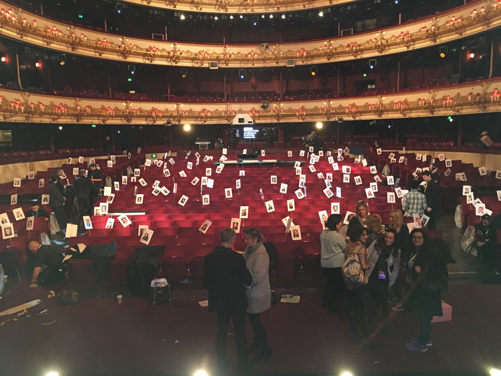 Flat-faced people sitting in for the nominees #EEBAFTAs https://t.co/QewXlYR3DT