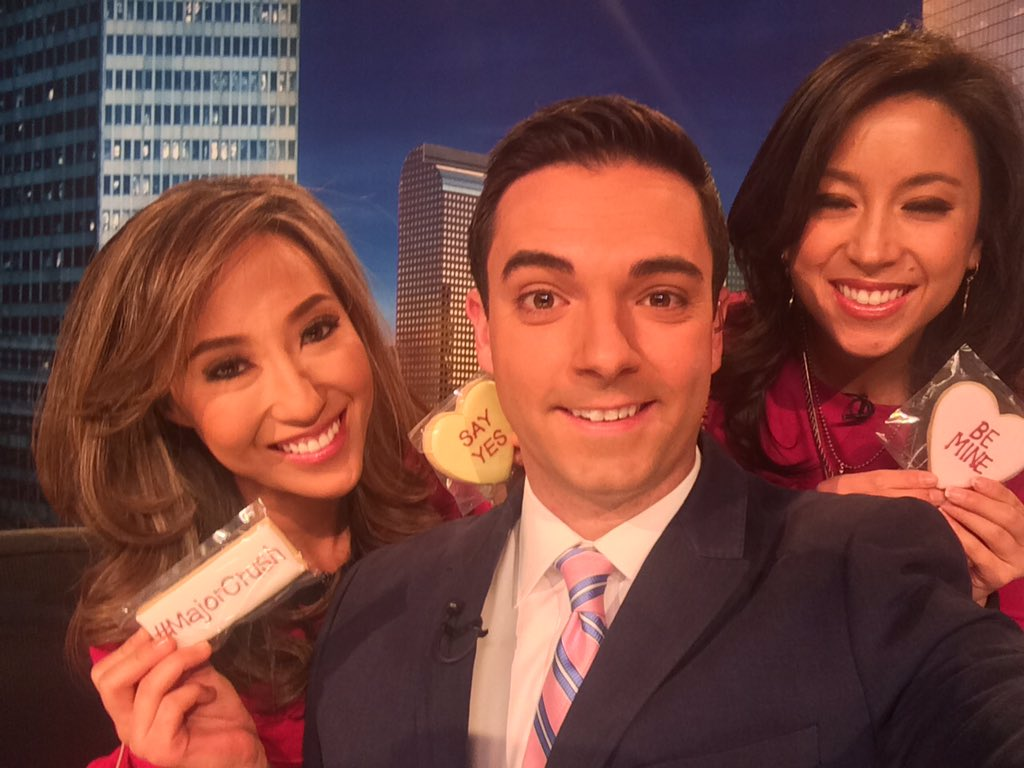 We've got pink on for Valentine's Day! Join @Jessica9NEWS, @TayTembs and me this morning on 9News