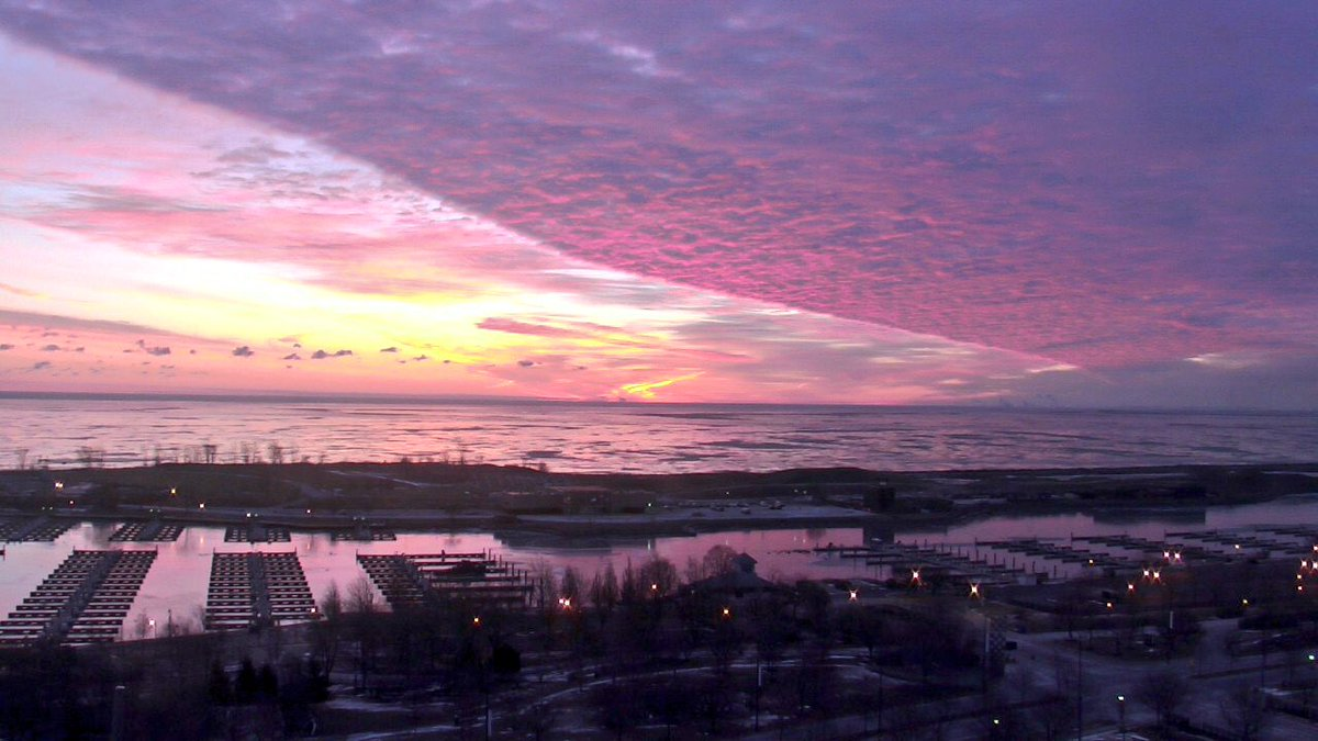 If you're just waking up, this is what you missed. Another glorious Chicago sunrise. Happy Valentine's Day!