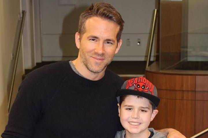 WATCH: Ryan Reynolds comes to Edmonton with Deadpool movie for boy in hospital with cancer