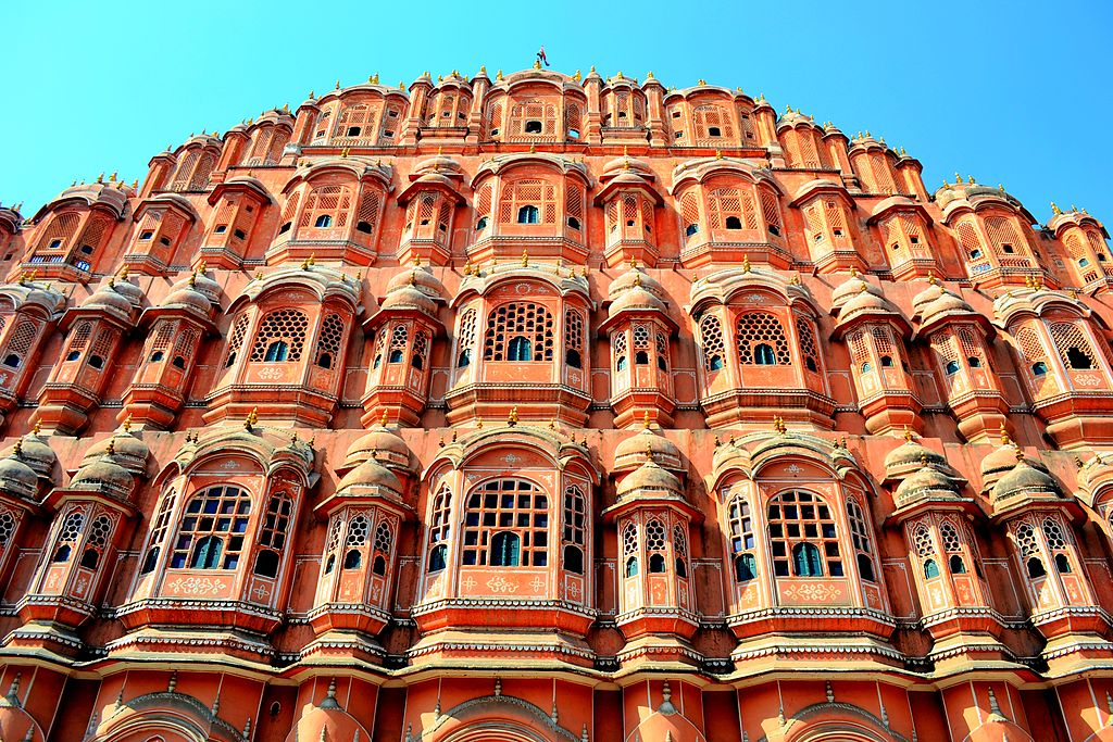 @incredibleindia #Jaipur #HawaMahal where 953 windows provided ladies of the #royalfamily views of street festivals! https://t.co/IT85Xv4s1y