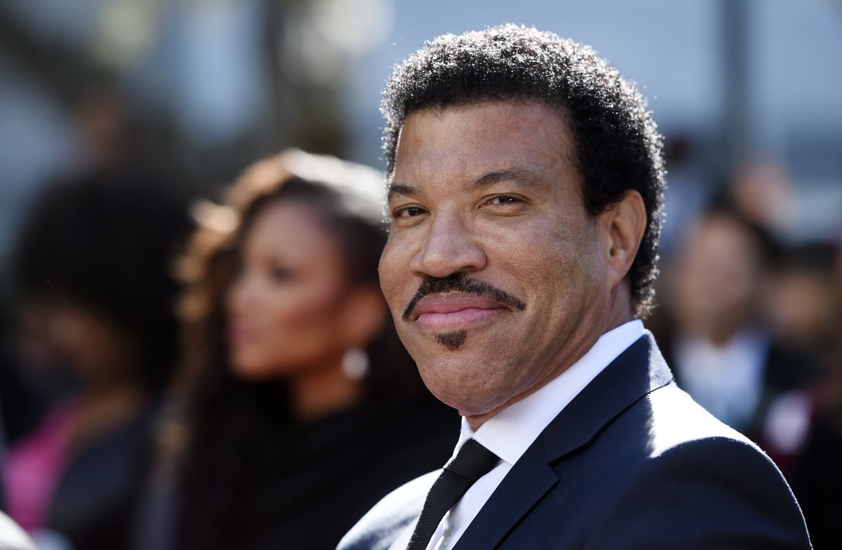 Rihanna, Usher, Wonder pay tribute to Lionel Richie on Grammy weekend